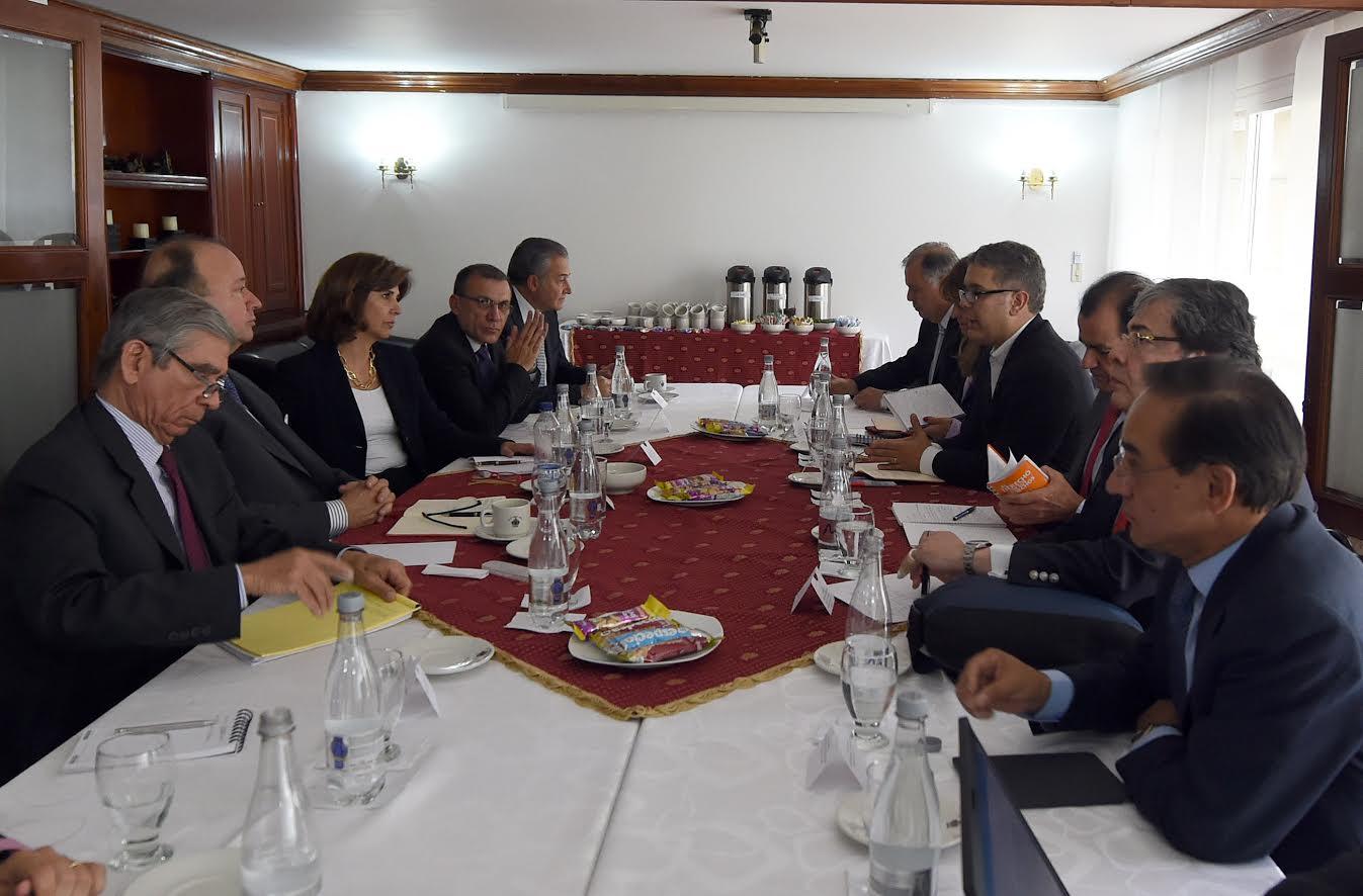 reunion-mindefensa-y-delegados-del-gobierno-con-los-voceros-promotores-del-no-al-plebiscito5