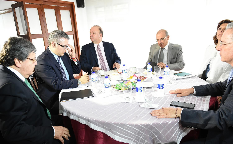 tercera-reunion-entre-delegados-del-gobierno-nacional-y-principales-promotores-del-no-para-recibir-propuestas-de-centro-democratico-3