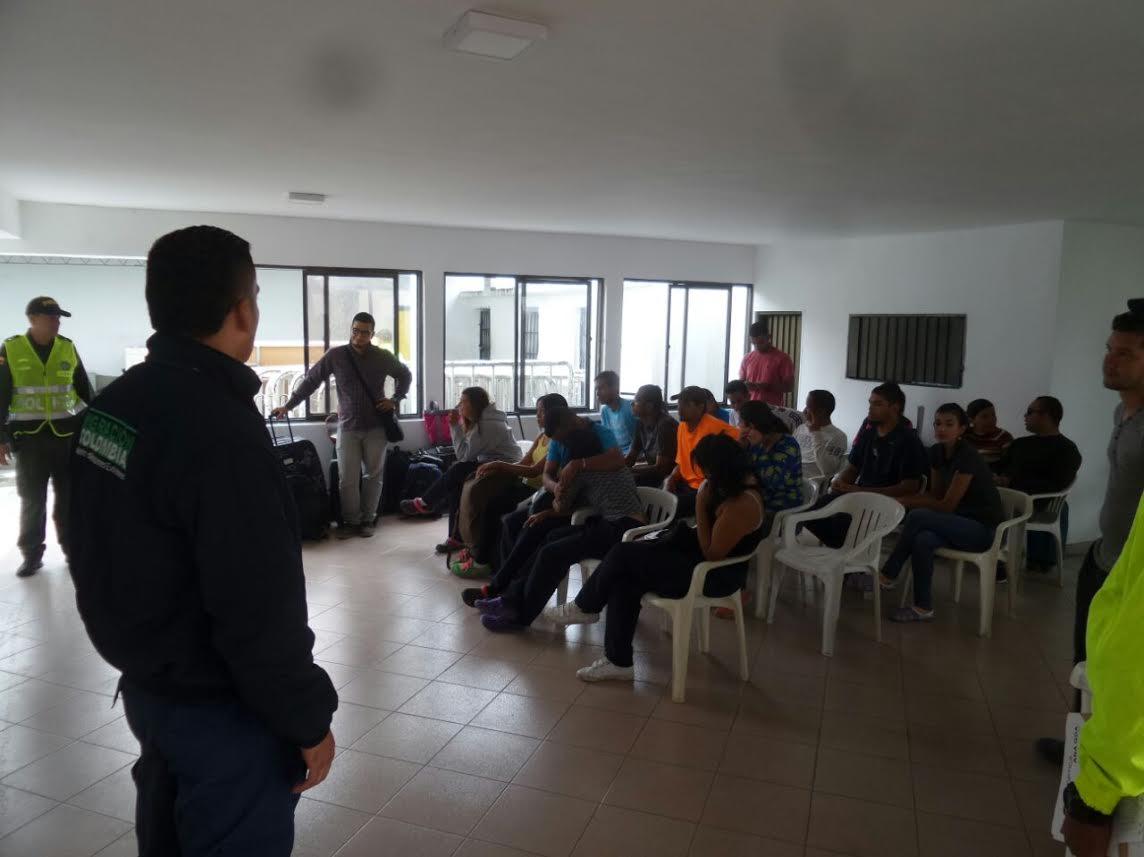 21-venezolanos-deportados-por-adelantar-actividades-comerciales-no-autorizadas-en-el-eje-cafetero2