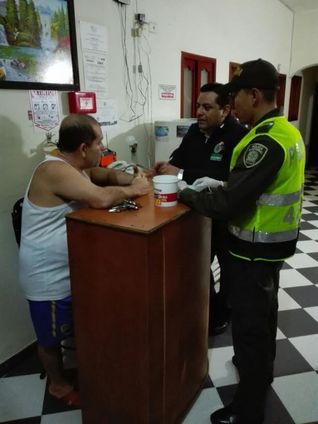21-venezolanos-deportados-por-adelantar-actividades-comerciales-no-autorizadas-en-el-eje-cafetero3