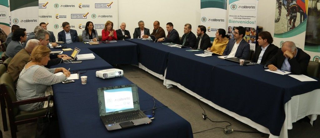 Mesa de trabajo de los directivos y equipos metodológicos del COC y Coldeportes, para definir líneas de acción rumbo Tokio 2020.