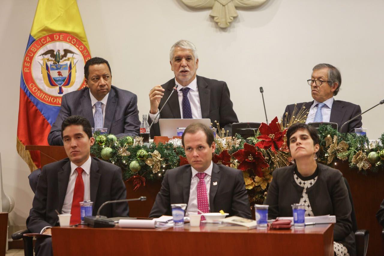 congresistas-respaldan-al-alcalde-penalosa-en-la-construccion-del-metro-de-bogota3