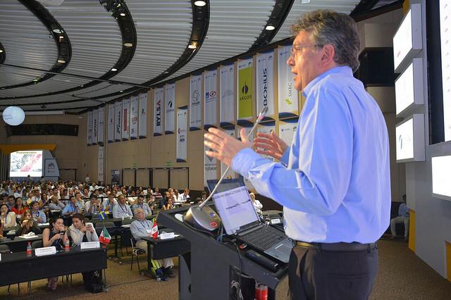 el-ministro-de-hacienda-mauricio-cardenas-asistio-al-xiii-congreso-nacional-de-infraestructura-en-la-ciudad-de-cartagena3