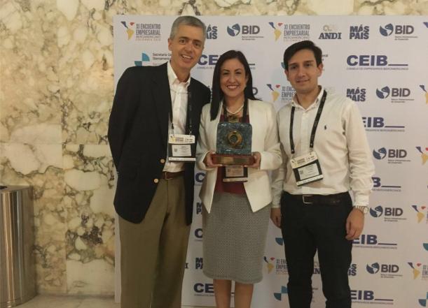 premio-iberoamericano-a-porvenir