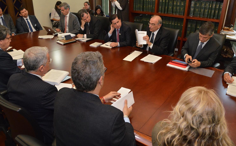 reunion-con-nuevo-acuerdo-delegacion-del-gobierno-nacional-y-representantes-del-no