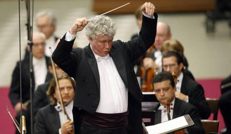 zoltan-kocsis fue fundador de la Orquesta del Festival de Budapest junto con el director de orquesta Iván Fischer,