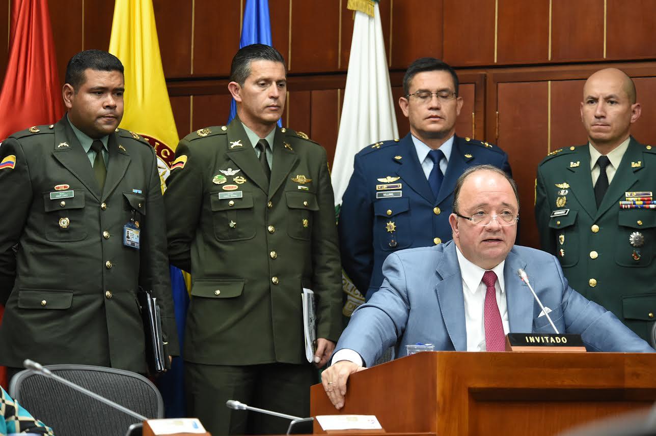 comision-segunda-de-senado-para-sustentar-solicitud-de-ascensos-de-39-oficiales-de-la-fuerza-publica-3