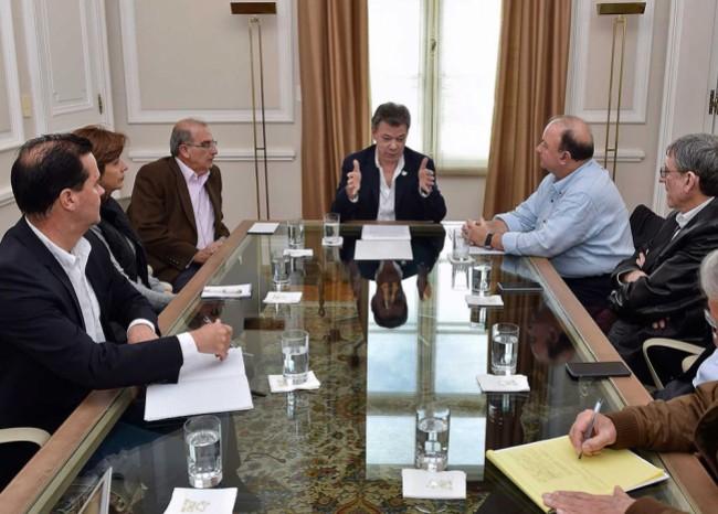 juan_manuel_santos_reunion_de_la_calle_presidencia_