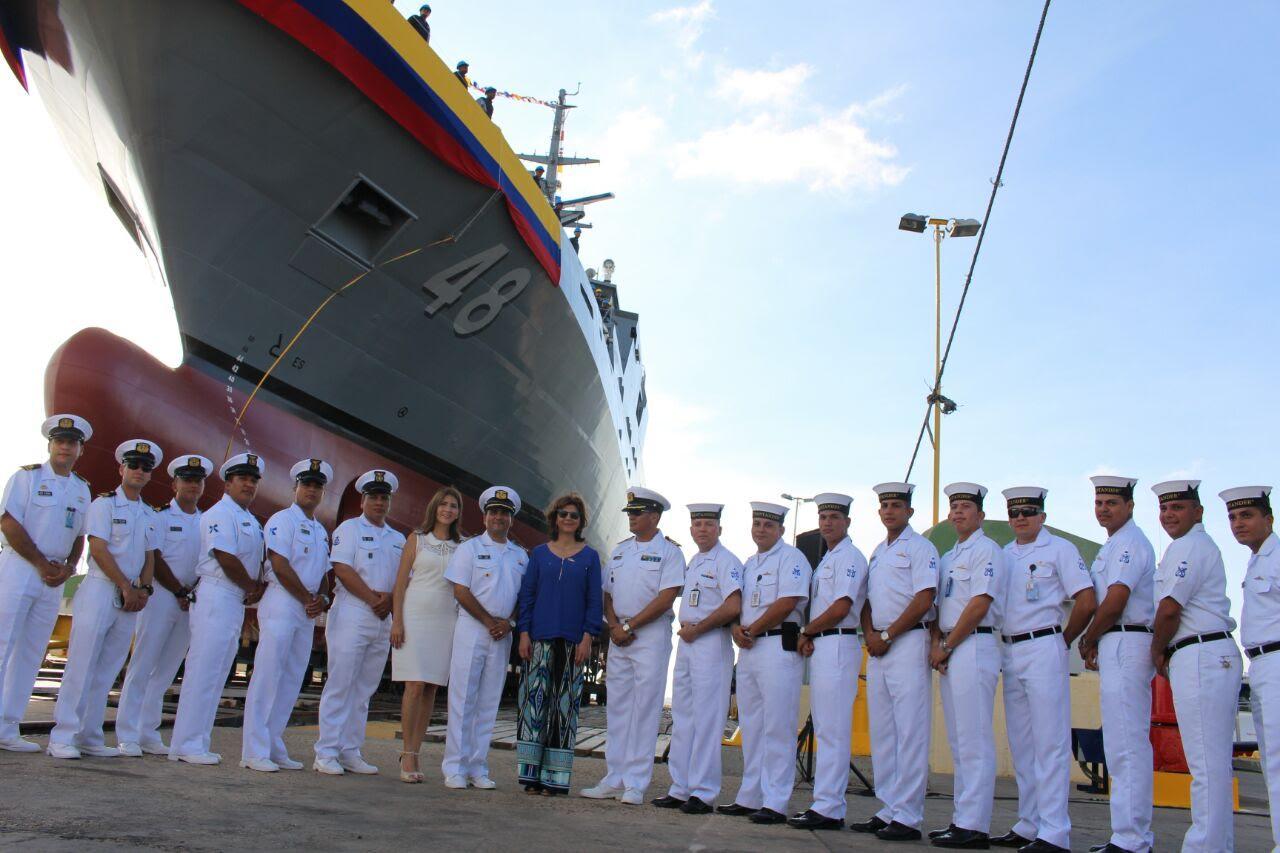 canciller-holguin-botadura-del-buque-3