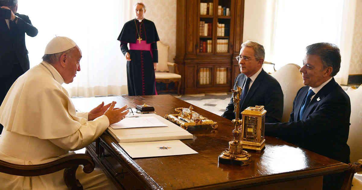 papa-francisco-se-reunio-con-el-presidente-santos-y-el-expresidente-uribe