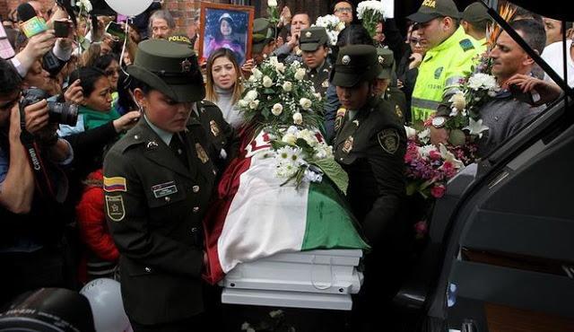 El féretro de Yulianita, a la salida de la primera misa, que por su eterno descanso, fue oficiada en Bogotá. Foto: El Tiempo