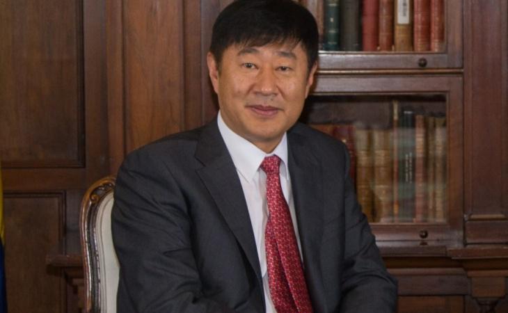 embajador-de-la-republica-popular-china-en-colombia-li-nianping
