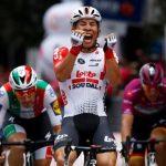Ewan celebra la victoria en la octava etapa del Giro