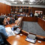 La ministra de las TICS, Silvia Constain Rengifo, interviene ante la Comisión Sexta.