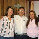 María Cristina Cruz Giraldo,candidata al Concejo de Manizales  por el Partido MIRA en compañia de la candidata a la Asamblea Departamental por el mismo Partido y Jorge Iván Mesa quien aspira a la Alcaldía de la Capital de Caldas