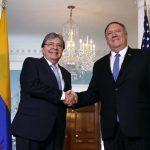 El secretario de Estado Mike Pompeo y el Canciller de Colombia, Carlos Holmes Trujillo, hablan sobre la relación entre sus países