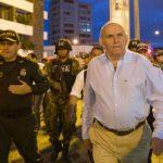 El alcalde de Cali, Maurice Armitage, decretó el toque de queda en la ciudad