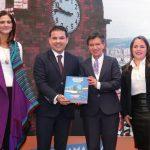 Ministra de Transporte, Ángela María Orozco, gobernador de Cundinamarca, Nicolás García y la Alcaldesa de Bogotá, Claudia López