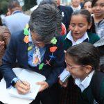 Alcaldesa Claudia López le dio la bienvenida a 780 mil niños, niñas, jóvenes y adultos que hoy empezaron clases en los 398 colegios públicos de la ciudad,