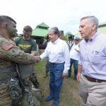 Mindefensa y el Embajador de los Estados Unidos, saludan a los soldados de la División 82 Aerotransportada del Ejército de los EE.UU.