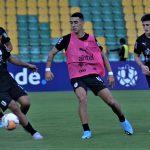 Uruguay y Perú se jugarán la vida hoy en el Centenario