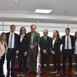 Presidente  de FCF,Ramón Jesurun, acompañado por el ministro del Deporte, Ernesto Lucena, le dieron la bienvenida a la comitiva del ente rector mundial del fútbol