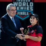 Sara López,recibe premio como mejor Arquera en el 2019