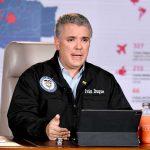 El Presidente Iván Duque Márquez se conectó este sábado por Facebook Live y durante media hora respondió las preguntas de los colombianos sobre la cuarentena nacional y las medidas adoptadas para hacer frente a la pandemia del coronavirus.
