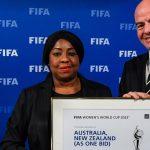 La secretaria general de la FIFA, Fatma Samoura, y el presidente de la FIFA, Gianni Infantino, a Australia y Nueva Zelanda como sedes de la Copa Mundial Femenina de la FIFA 2023