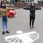 Esta es nuestra señal, nuestro símbolo, para decir que entre todos nos cuidamos.