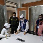 La Defensoría del Pueblo realizó acompañamiento a la entrega voluntaria de la exgobernadora de La Guajira, Oneida Pinto, en el Comando de la Policía Guajira en Riohacha