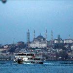 Festival de cine de Estambul comienza con proyecciones al aire libreAlrededor de 150 personas asistirán a las proyecciones cada noche para ver un total de 11 películas. (Şebnem Coşkun - Agencia Anadolu)