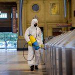 Trabajos de desinfección por coronavirus en la estación de Constitución de Buenos Aires.Foto: Paula Acunzo/ZUMA Wire/dpa / Europa Press