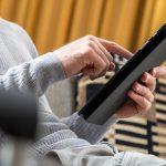 No es necesario comprar la tableta último modelo, las del año previo pueden seguir siendo un producto satisfactorio, si se atiende a la memoria y la capacidad de almacenamiento. Foto: Christin Klose/dpa-tmn
