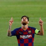 Lionel Messi, del Barcelona, festeja un gol en el partido contra el Nápoli por la Champions League, Barcelona, España, . REUTERS/Albert Gea