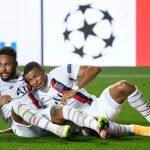 Neymar y Kylian Mbappé celebran el triunfo del PSG después del partido ante Atalanta por cuartos de final de la Liga de Campeones. David Ramos/ REUTERS