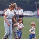 Diana de Gales con los príncipes Guillermo y Enrique en la década de los 80