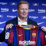 El nuevo entrenador holandés del Barcelona FC, Ronald Koeman, durante su presentación oficial en el estadio Camp Nou en Barcelona, España,