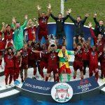 Los jugadores de Liverpool celebrando tras ganar la Supercopa de la UEFA en Estambul. REUTERS/Kemal Aslan