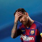 El futbolista del FC Barcelona, Lionel Messi, se toma la cabeza durante el partido contra el Bayern de Múnich por la Champions League, Manu Fernández/Pool vía REUTERS