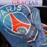 Banderas del Paris St Germain REUTERS/Regis Duvignau/