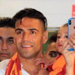 Falcao con los hinchas de Galatasaray Foto: Anadolu