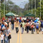 Venezolanos cruzan el puente internacional Simón Bolívar, en Cúcuta, en la frontera con Colombia. Archivo. Lokman İlhan - Agencia Anadolu