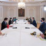 El Presidente Iván Duque se reunió este viernes, en la Casa de Nariño, con la Alcaldesa de Bogotá, Claudia López, para analizar los recientes hechos de orden público ocurridos en la capital del país. Foto: Efraín Herrera - PRESIDENCIA