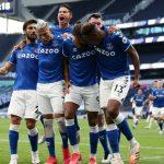 El Everton, en el partido debut del colombiano James Rodríguez, sorprendió al decepcionante Tottenham Hotspur (0-1).Reuters-