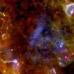 """Nubes de polvo y gas interestelar, aquí en la región """"Cygnus-X"""" en la constelación del Cisne. Foto ESA/PACS/SPIRE/MARTIN HENNEMANN / Europa Press"""