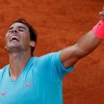 Nadal celebrando tras vencer al argentino Diego Schwartzman en las semifinales del Abierto de Francia. Oct 9, 2020 REUTERS/Christian Hartmann
