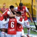 Jugadores de Santa Fe celebran el Gol de Daniel Giraldo,que le dio el triunfo ante Equidad en el último Minuto. Foto Dimayor