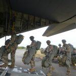 Soldados de la División 82 Aerotransportada del Ejército de los EE.UU.01