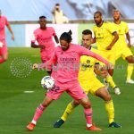 Isco controla un balón frente a Juan Cala durante el partido entre el Real Madrid y el Cádiz. REUTERS/Sergio Pérez